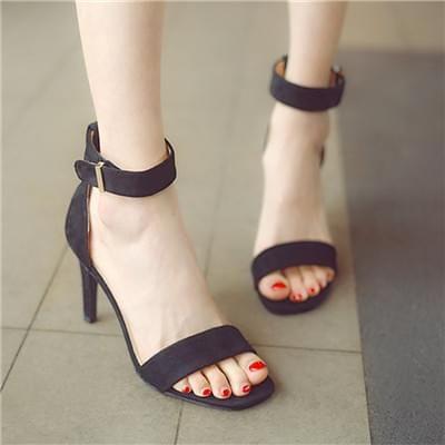 百搭性感黑色凉鞋