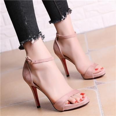 粉色细高跟凉鞋